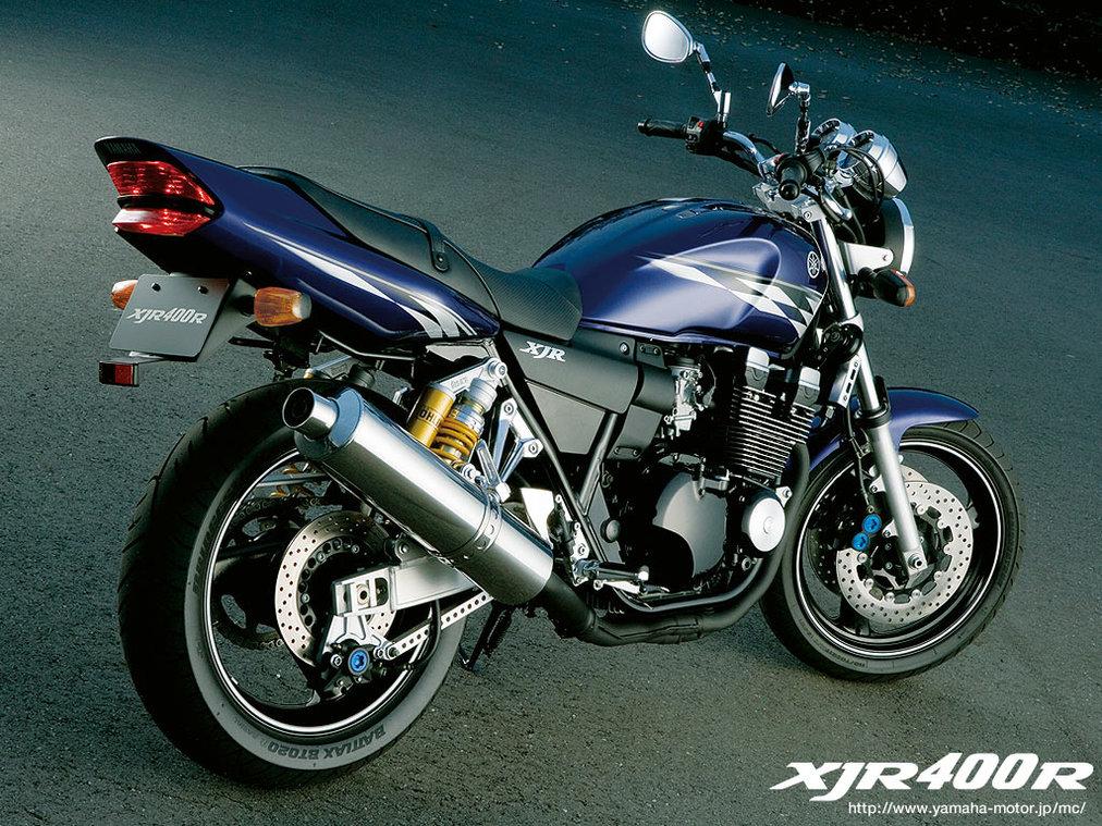 レンタルバイクの「XJR400」