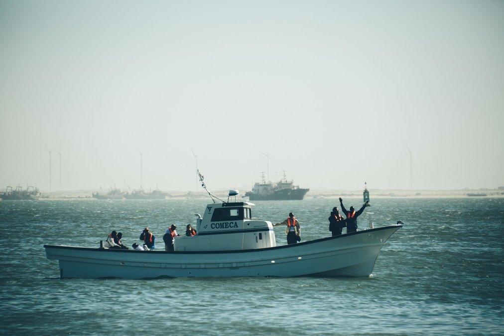 進水した「メイド・イン・モーリタニア」漁船の1号艇