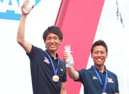 470級ジュニア世界選手権大会で3位に入賞したヤマハセーリングチームの高山選手(写真右)と高柳選手(写真左)(写真提供:JSAF)