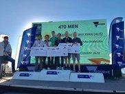 表彰台に立つ高山・今村ペア 優勝はベルチャー・ライアン組