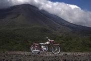 超精密ペーパークラフト「YA-1」と浅間山